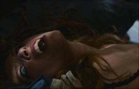 Kiss of the Damned - Joséphine de la Baume