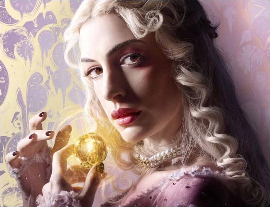 Alice Through the Looking Glass - Anne Hathaway